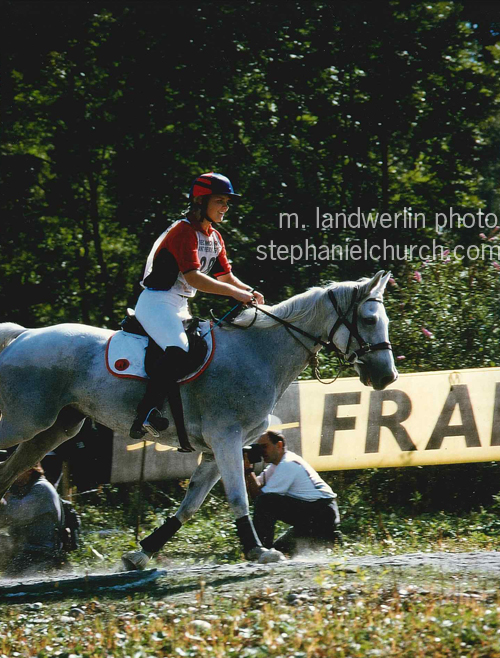 Footloose and fancy-free at age 20, praising Uloa after a jump during the obstacle round. In hindsight, she likely had no idea what I was saying.